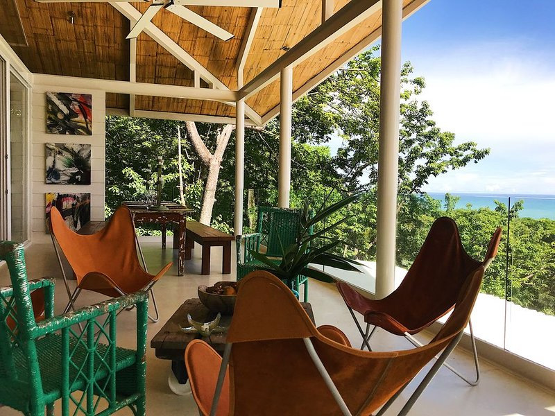 Tropical treetop ocean view, vacation rental in Santa Teresa