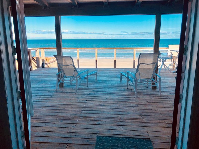 Direct Ocean Front Home ! Beautifully remodeled !, vacation rental in New Smyrna Beach