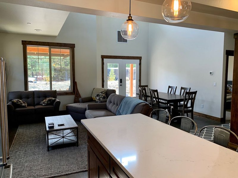 Experience Suncadia 2 Bed, 2.5 Bath Plus Loft Townhome, casa vacanza a Cle Elum
