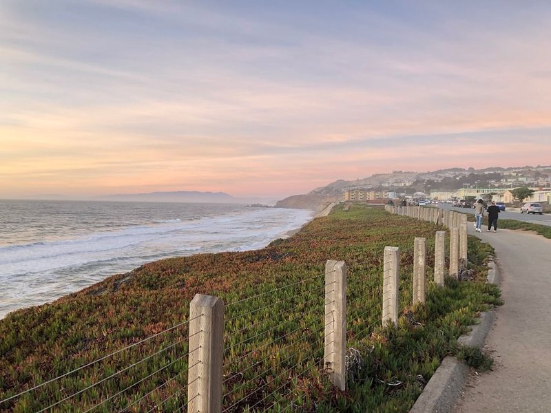 Pacific Oceanfront Retreat, 15 mins to SF and SFO, vacation rental in Pacifica