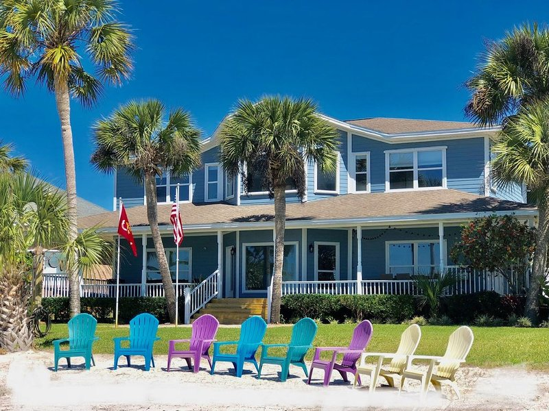 An Intercoastal Waterfront home with private beach, vacation rental in Mary Esther
