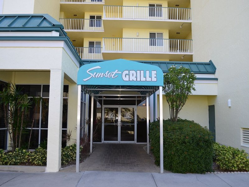 on site dining/Sunset Grill