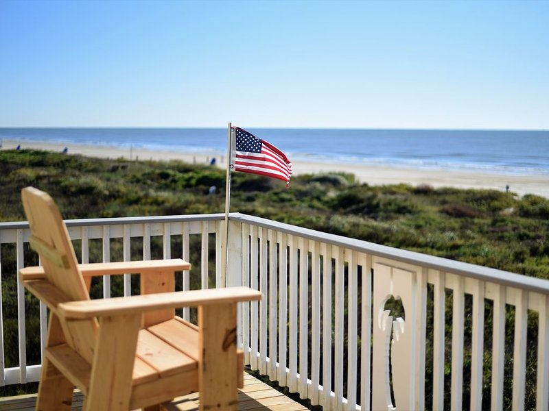 Beachfront! 4bdr(3 kings)/3 bath/sleeps  17, alquiler vacacional en Surfside Beach