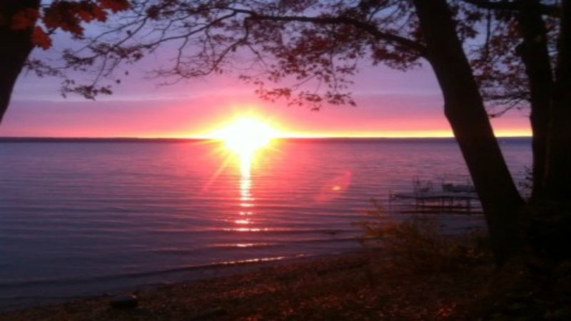 LAKEHOLME....Here's to 2021!!!!  Book now for spring and summer!!!, vacation rental in Romulus