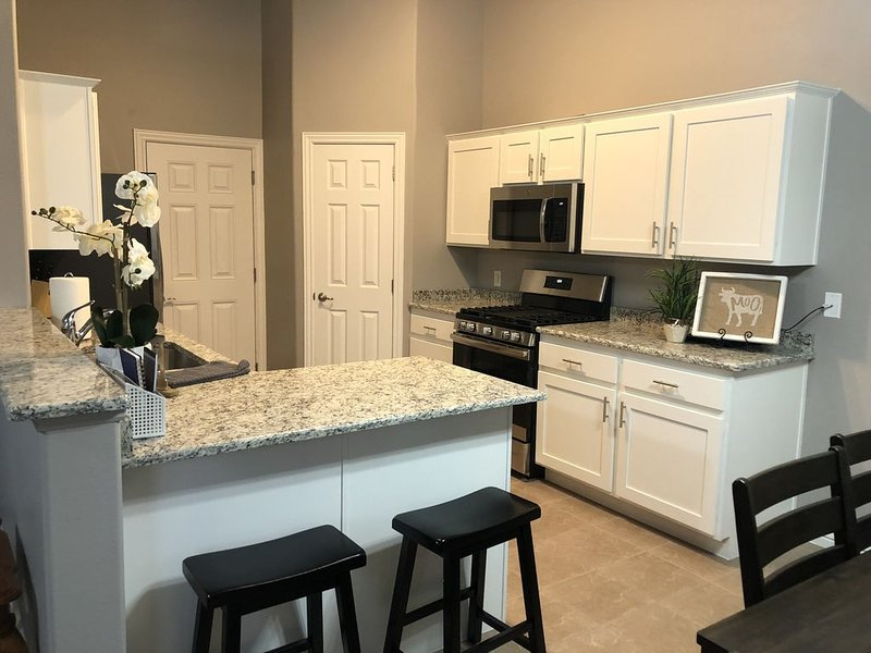 NEW Family Home Close to Downtown, Skiing & Golf., holiday rental in Cedar City