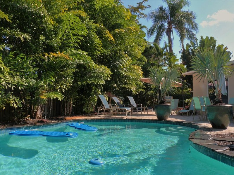 Brassrail Villa - Beautiful Tropical Retreat / Private Heated Pool, vacation rental in Wilton Manors