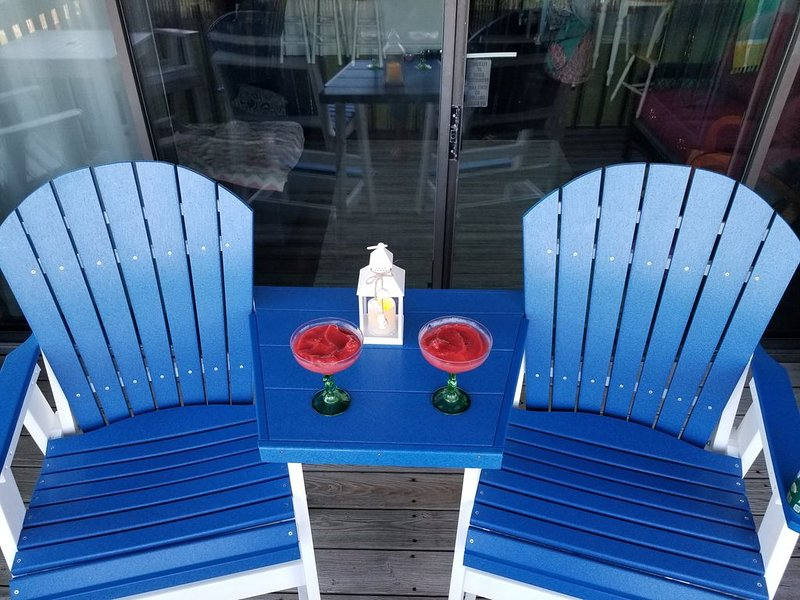 Beautiful Updated Oceanfront Condo with covered parking and Great View!!!, location de vacances à Carolina Beach