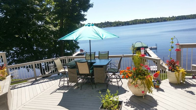 A Gem of a lake home on Gorgeous Pike Lake 15 Minutes From The Duluth Harbor, holiday rental in Superior