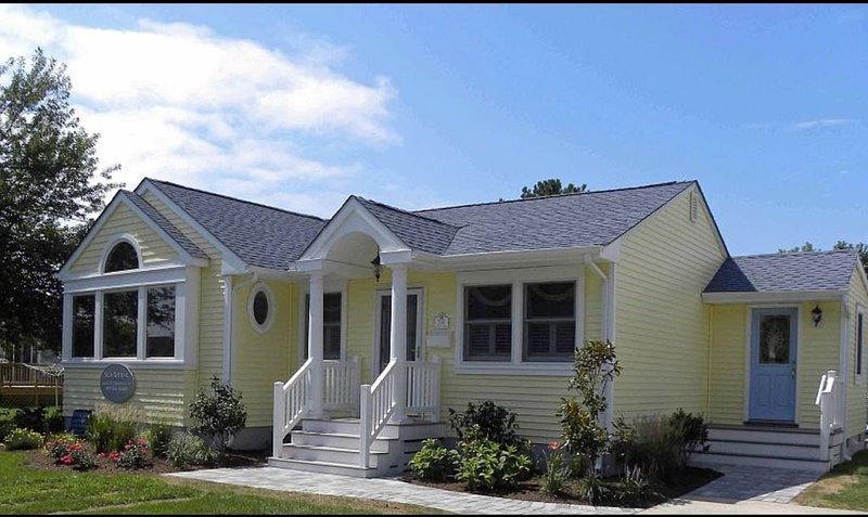 Beautiful, Open-Concept 3 Bedroom 2 Bath Beach Home, vacation rental in Cape May