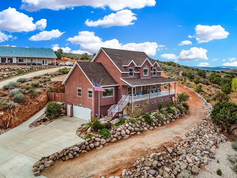 Red Ridge Vacation Rental - Near Zion and other National Parks!, holiday rental in Toquerville