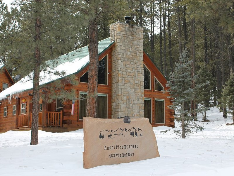 Enjoy the Authentic Log Cabin Experience, holiday rental in Angel Fire