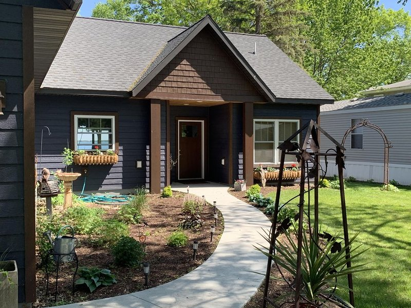 Ottertail Oasis - Lakefront - New Construction, holiday rental in Richville