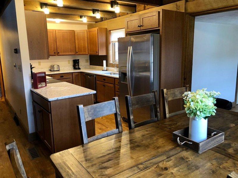Log Cabin Retreat In The Vineyards, alquiler de vacaciones en Austinburg