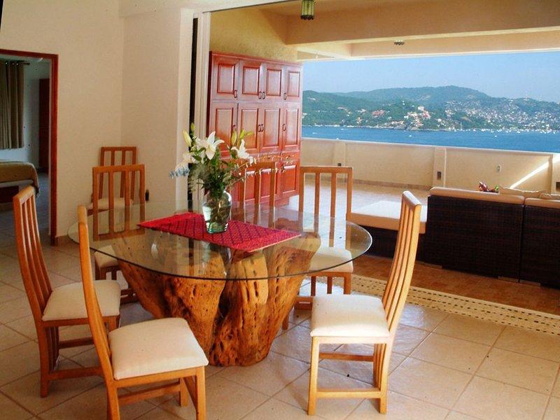 Beautiful Views of Paradise!  3 BR, 3 BA, aluguéis de temporada em Petatlan