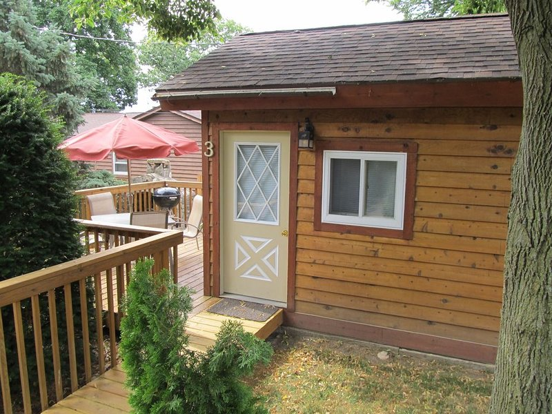 Lake Kegonsa cedar efficiency cottage, alquiler de vacaciones en Madison