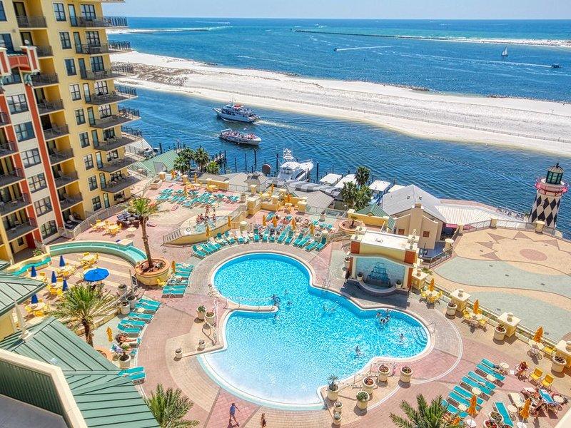 Private beach, heated pool, sleeps 8, condo has luxury upgrades, ocean & pool, holiday rental in Niceville