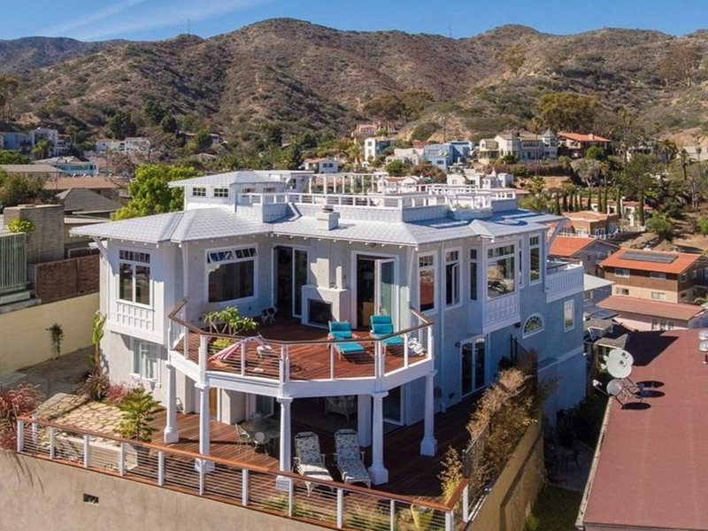 Spectacular Harbor and Ocean View Home, aluguéis de temporada em Avalon