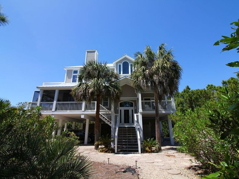 10%OFF Winter & Spring Weeks! Private Pool, Hot Tub, Steps to Beach, holiday rental in Apalachicola