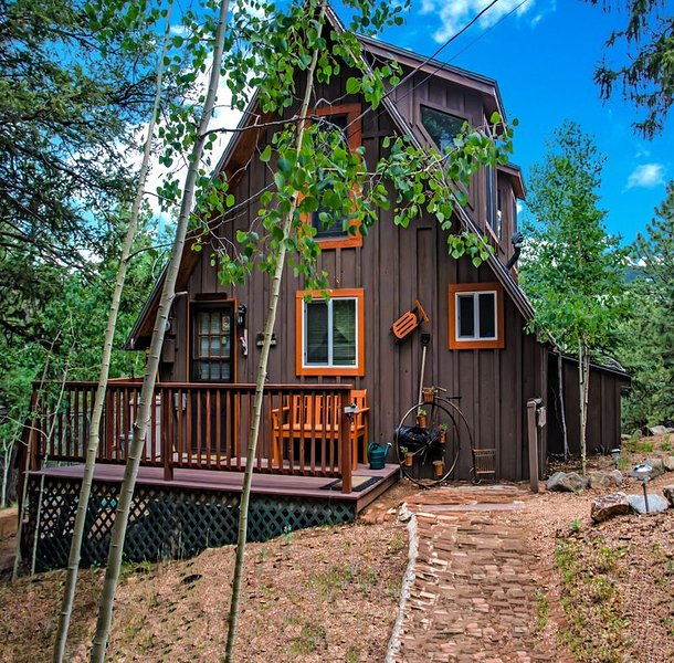 Get Away to the Rockies! Book Now for Sensational Summer! Private Cabin&WiFi, holiday rental in Cripple Creek
