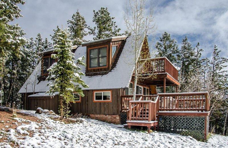 Get Away to the Rockies! Book! Private Cabin with Views & WiFi, aluguéis de temporada em Cripple Creek