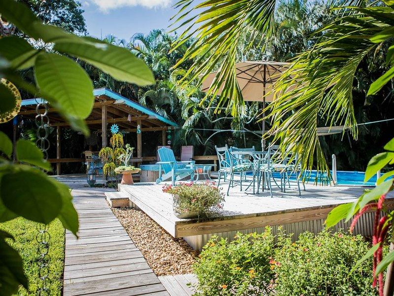 2/2, Davie/Ft. Lauderdale 'Quiet/ Pool' Garden Home, vacation rental in Plantation