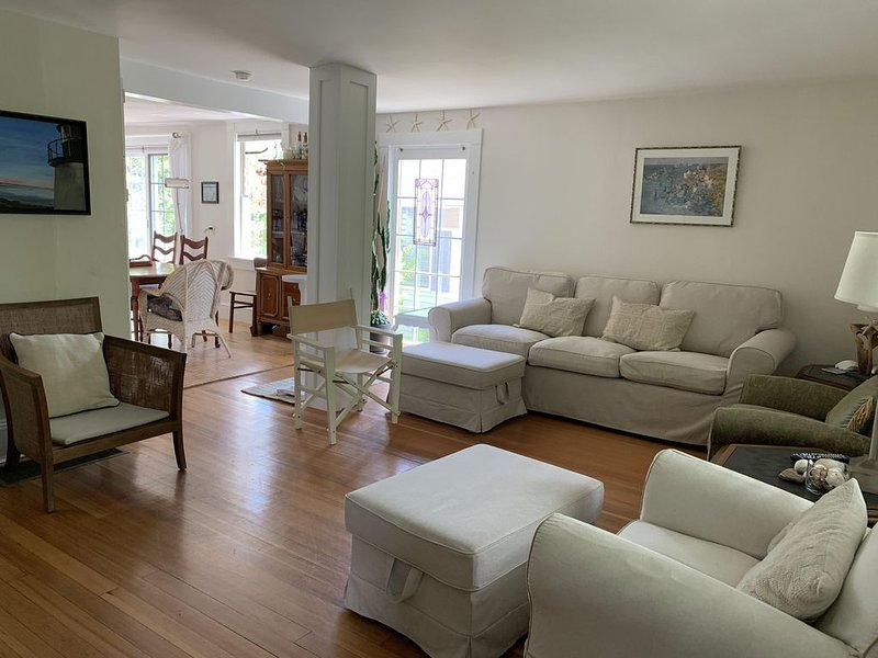 Walk everywhere from this ideal location !, holiday rental in Ogunquit
