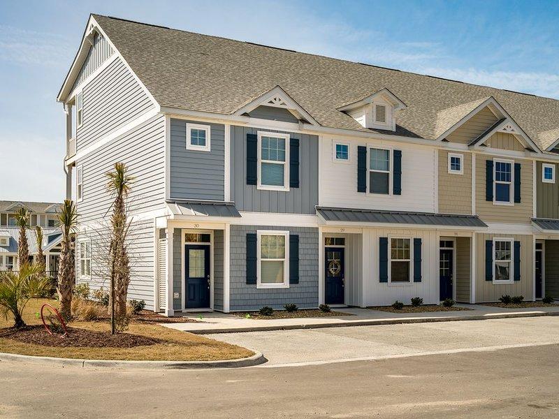 New Townhome Located in Atlantic Beach, North Carolina, holiday rental in Atlantic Beach