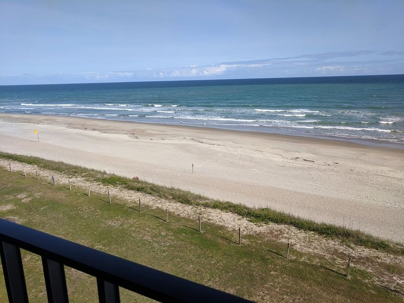 Panoramic View DIRECT OCEANFRONT Unit Summer Winds. Gorgeously renovated 2019!, vacation rental in Salter Path