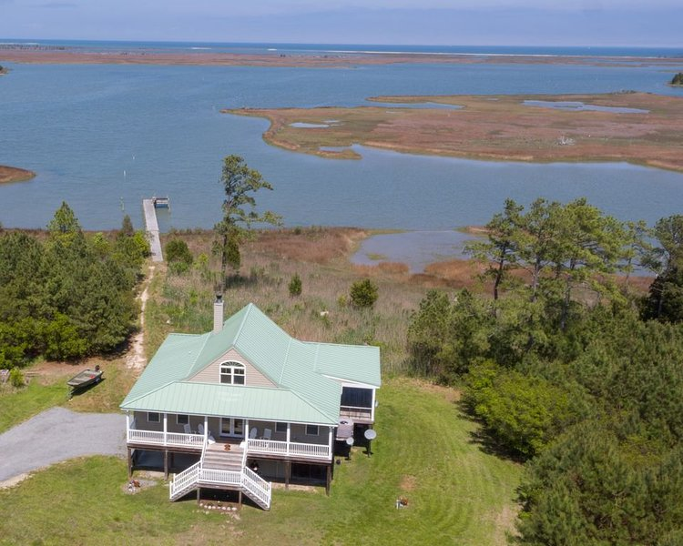 Private Waterfront Retreat on Winter Harbor, holiday rental in Schley