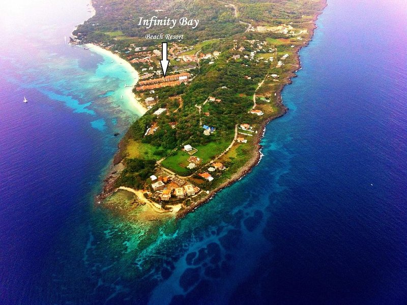 YOUR ROATAN PARADISE IS HERE! 1388 sf, casa vacanza a Bay Islands