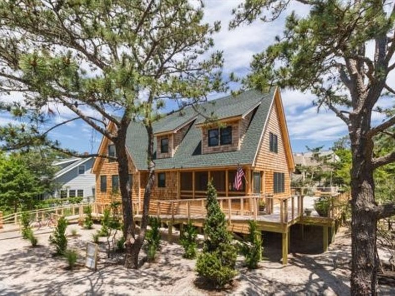 Beautiful Fire Island Rental - Seaview w/ swim spa, holiday rental in Fire Island Pines