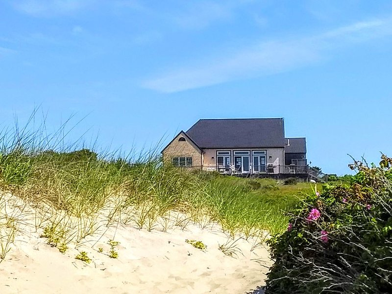 Charming 2 B 1.5 Ba  Spacious Beach House, holiday rental in Nantucket