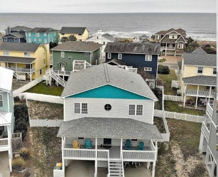 Luxury Beach Home with Amazing 360° Roof Top View!, aluguéis de temporada em Kure Beach