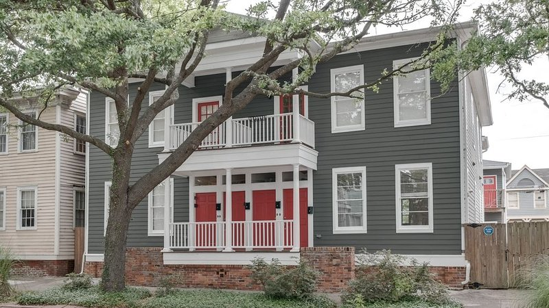 Affordable & Spacious 3 BR Condo in Savannah Historic District near Forsyth Park, vacation rental in Thunderbolt