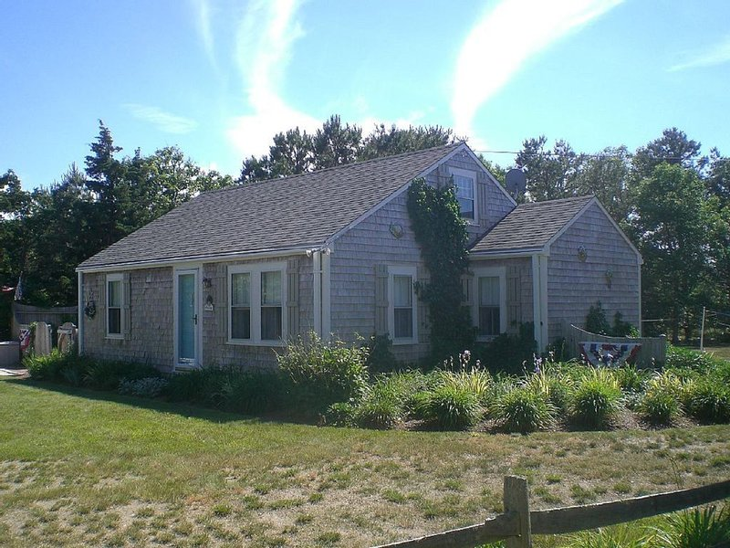 COTTAGE-DOG FRIENDLY.BIKE TO BEACHES., vacation rental in North Eastham
