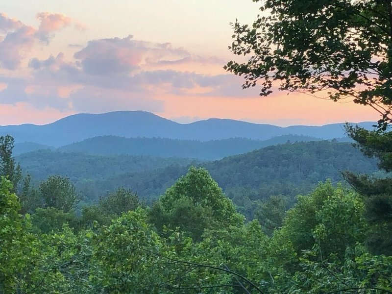Enjoy Fall in the Mountains!!, vacation rental in Mountain Rest