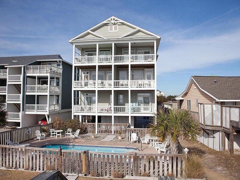 OCEANFRONT, Heated Salt Water Pool, Elevator--Safe, Clean & Near Boardwalk, vacation rental in Carolina Beach