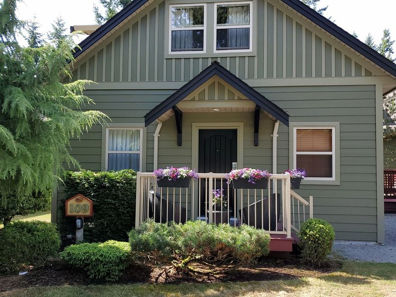 �Christmas~New Year's Staycation? The Corner Cottage is waiting for you! �, holiday rental in Parksville