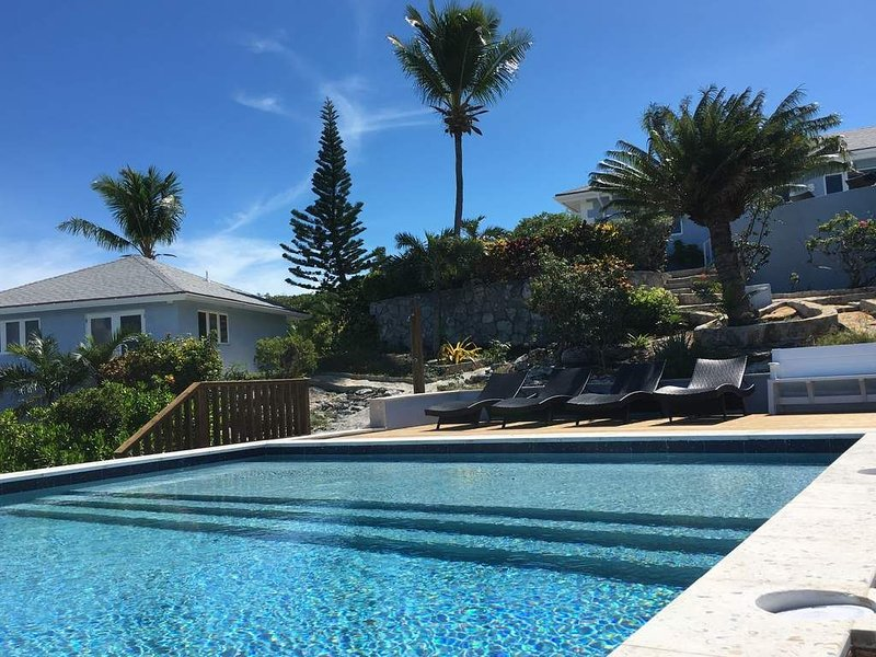 Paradise! Private Beachfront Home w/ Pool & Wifi!, location de vacances à Georgetown