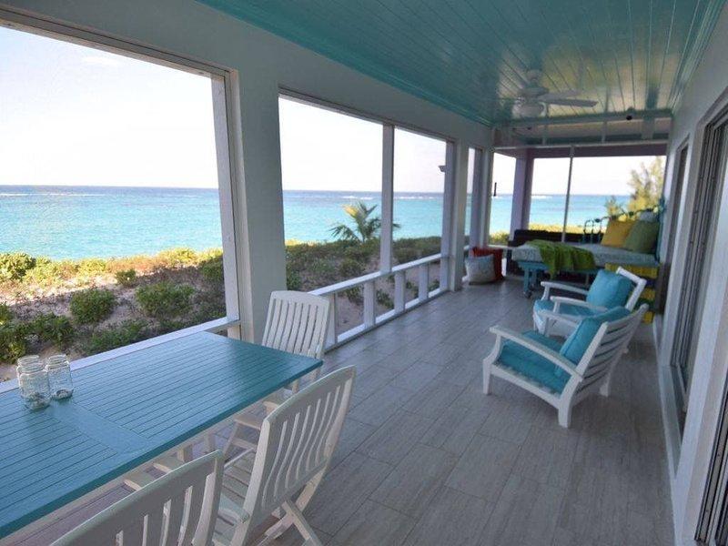 Oceanaire -- Fantastic Views, Breezes and Romance on a secluded & private beach, aluguéis de temporada em Eleuthera
