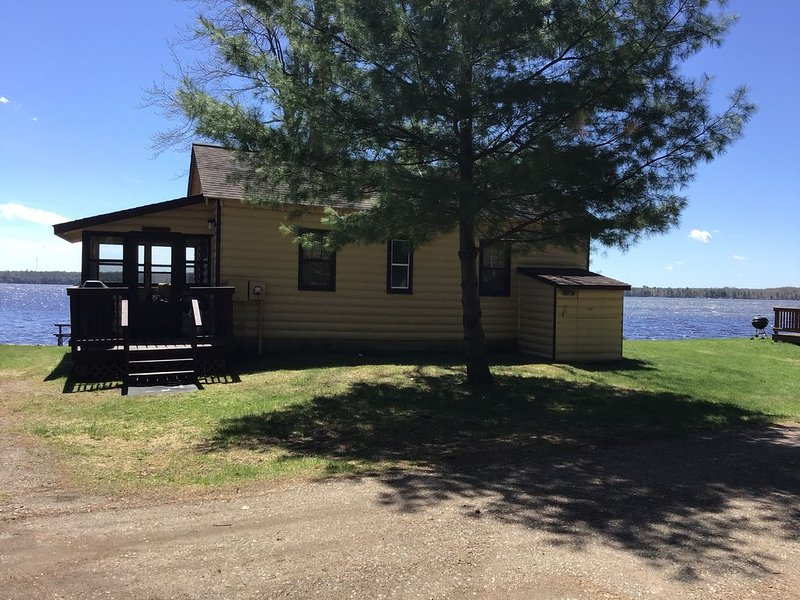 Northwoods Cabin on Big St. Germain, holiday rental in Star Lake