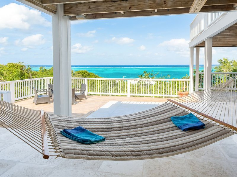 Spectacular Grace Bay Views, private pool for 8 guests! NEW NIGHTLY RATES!, vacation rental in Turtle Cove