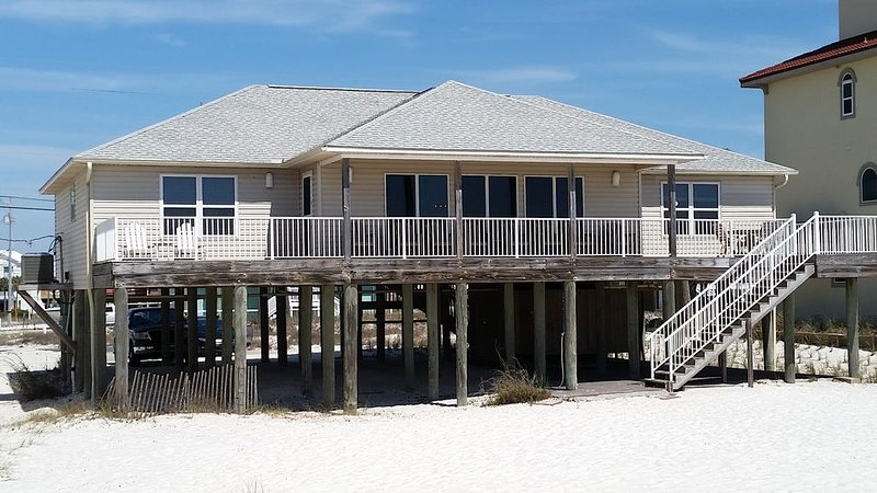Dawson Beach House / Right on the Sugar White Sands of the Gulf of Mexico, location de vacances à Navarre