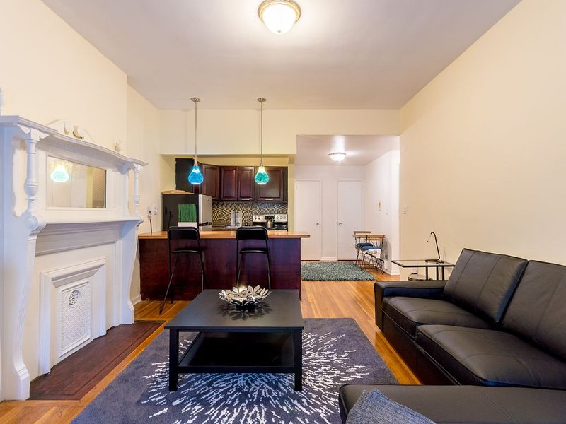 Quiet one bedroom apt one block from central park 30 DAY MINIMUM RENTAL, holiday rental in Guttenberg