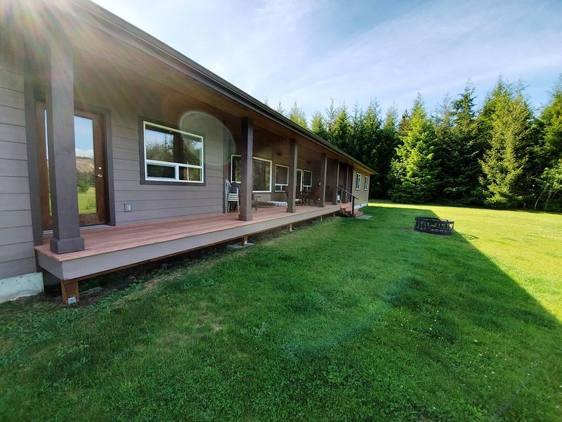 'Wild Duc Lodge' family & pet friendly venue on the Olympic Peninsula, Ferienwohnung in Clallam County
