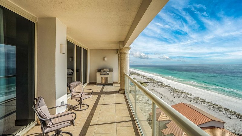 Spectacular Views of the Gulf of Mexico, Right on the Beach, holiday rental in Gulf Breeze