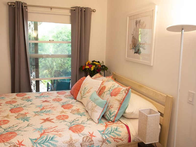 BEACH GUESTROOM - Private !!! Guestroom with private bathroom 3 blocks to beach, holiday rental in Santa Monica