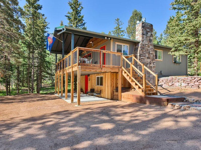 NEW LISTING! Newly remodeled house, beautiful location near Woodland Park, CO, holiday rental in Lake George