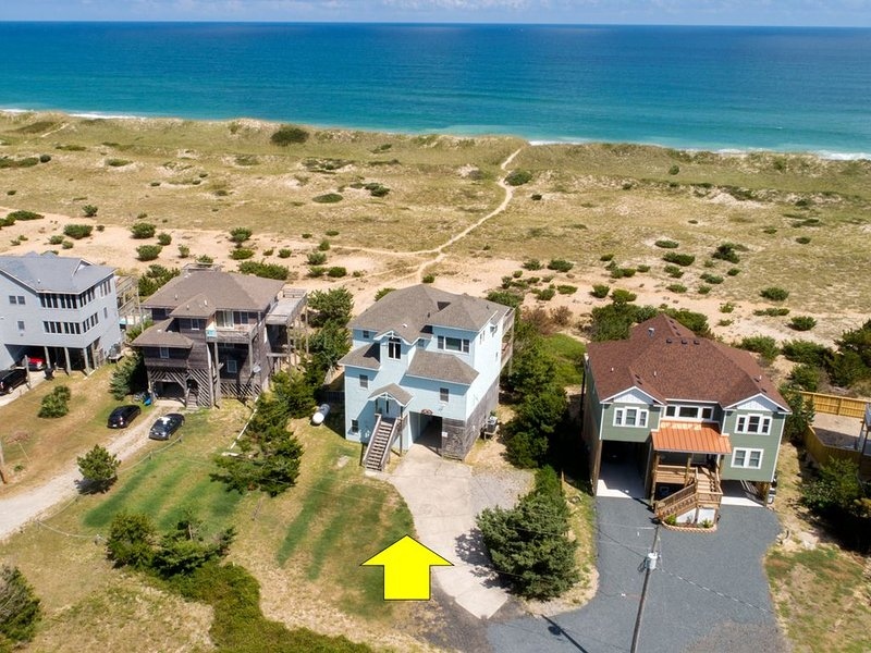 Beachfront, heated pool extra $, 5 Bedrooms Sleeps 18! our home on HGTV, vacation rental in Waves