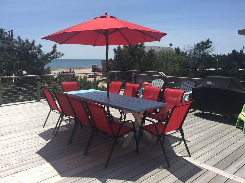 Fire Island Newly Renovated Beach House Just steps away from the Ocean!!!, holiday rental in Ocean Bay Park